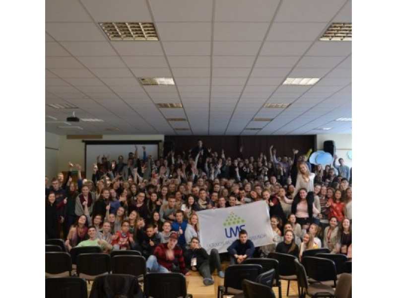 """Moksleivių forumas: """"Siek neįmanomo – pasieksi maksimumą"""""""