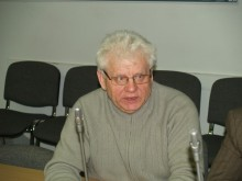 V. Litvaitis.
