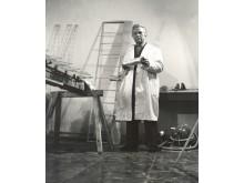 Konstruktorius Bronius Oškinis savo dirbtuvėse.