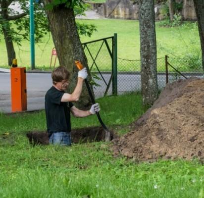 Archeologai tyrė 0,8-1,8 m gylio šurfus. V. Janušonio nuotr.
