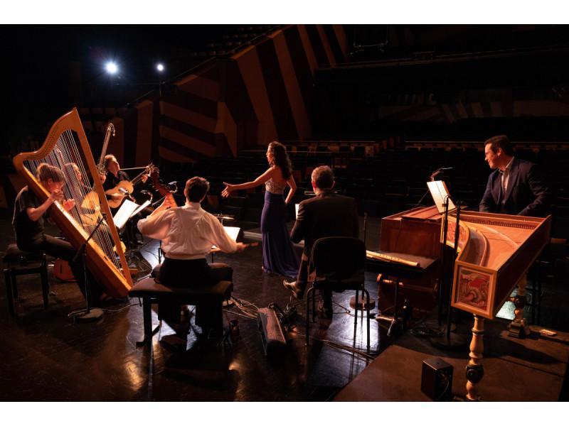 Senosios muzikos žvaigždžių dovanos penktojo Tarptautinio Kretingos senosios muzikos festivalio klausytojams