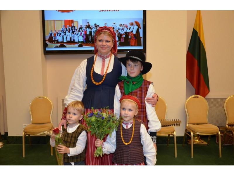 Loreta Sungailienė: svarbiausias šeimos planas – su meile auginti mūsų tris atžalas