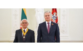 Palangiškiui Vladui Žulkui valstybinį apdovanojimą Liepos 6-osios proga įteikė Prezidentas Gitanas Nausėda