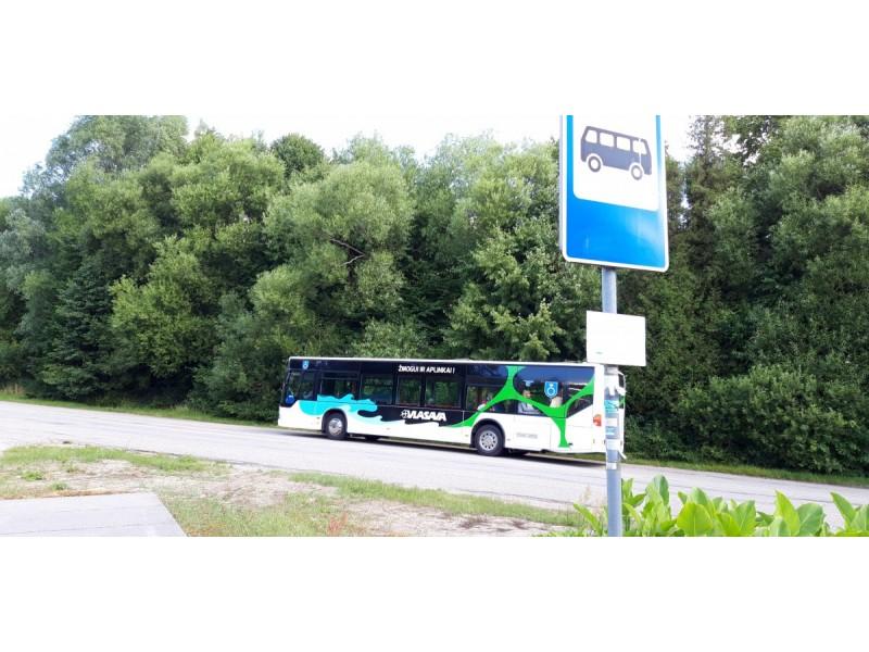 Nemirsetos autobusų stotelės autobusų vairuotojai nepastebi