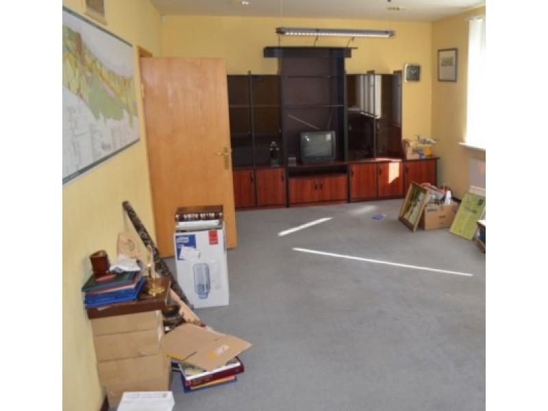 Štai kas po kraustymosi liko mero kabinete.