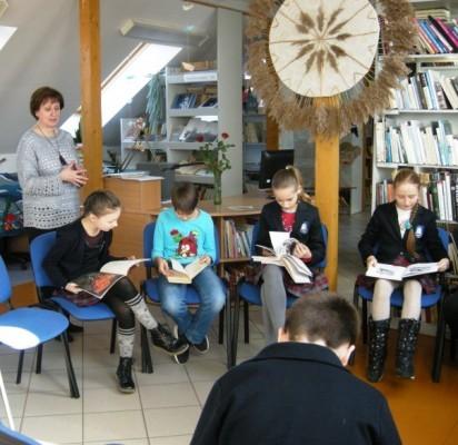 Šventosios pagrindinės mokyklos ketvirtokai skaitė poeziją