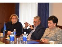 Idėją pristatė du žinomi architektai, Vilniaus dailės akademijos profesoriai bei Lietuvos nacionalinės premijos laureatai Arūnas Sakalauskas ir Algirdas Žebrauskas.
