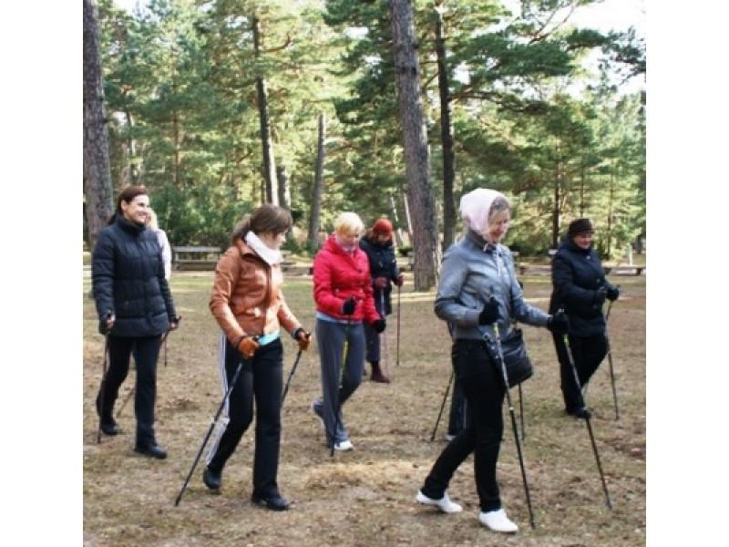 Siekiant sveiko senėjimo – lazdos be slidžių pagelbės