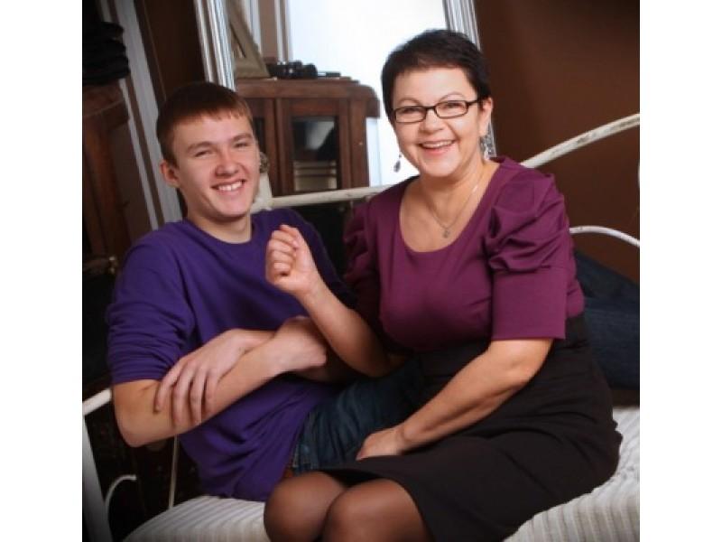 Adrijus ir jo mama pasiryžę įveikti klastingą ligą