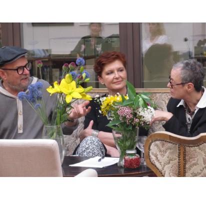 R. Rastausko, V. Gineitytės ir A. Jacovskytės pokalbis kūrė itin jaukią ir intymią parodos atidarymo atmosferą.
