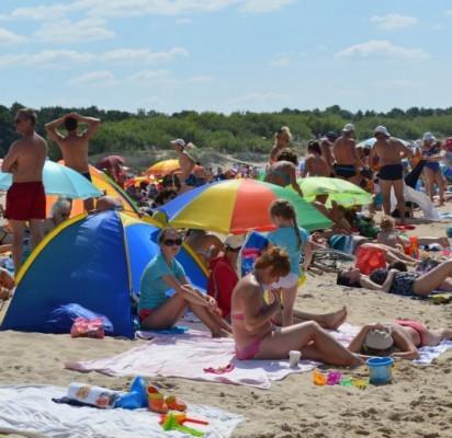 Vasaros kaip nebūta: poilsiautojų mažėjo ir dėl žvarbių orų, ir didelių kainų