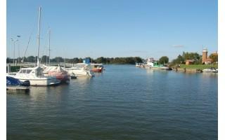Siūloma Kuršių marių regioną laivybinėmis linijomis jungti su Gdansko įlanka, Palanga, Šventąja ir toliau su Kuldyga Latvijoje