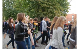 Tautinės jaunimo organizacijos mokykloje – atgyvena?