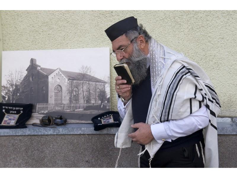Chaim David pasimeldė už žuvusius žydus.