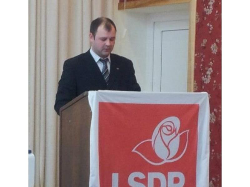 40 balsų  įveikęs konkurentą,antrai kadencijai buvo perrinktas D. Paluckas.