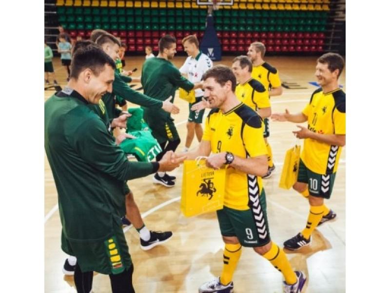 To dar nebuvo: krepšinio ir futbolo rinktinės tarpusavyje rungtyniavo Palangoje