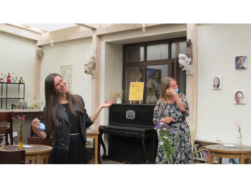 """""""Ramybės"""" galerijoje savo parodas pristatė dailininkės Laura Slavinskaitė ir Aistė Gabrielė Černiūtė"""