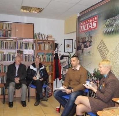 """Per tradicinį """"Palangos ryto"""" antradienio kavarytį svečiavosi Palangos kredito unijos (PKU) administracijos vadovė Sandra Garjonytė."""