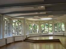 Ekspozicijas bus galima demonstruoti įvairiose pastato erdvėse, čia išliko ir įvairiems renginiams bei koncertams organizuoti tinkama salė.