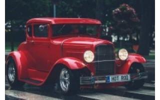 Savaitgalį kurorto gatvėse siautėjo amerikietiški automobiliai