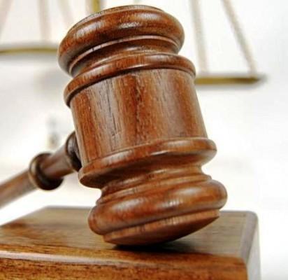 Teismas į darbą sugrįžti nepadėjo