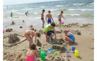 Padėti kurti šventę į pirmą susitikimą su jūra atvyksiantiems vaikams kviečiami ir savanoriai