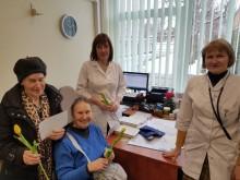 """Elena Butkienė su dukra Rasa Butkute-Šiaudvydiene: """"Mes anksčiau su dukra lankėmės sveikatos priežiūros centre Medvalakio gatvėje. Neseniai perėjome į polikliniką pas gydytoją Sigitą Didjurgienę ir esame tuo labai patenkinti. Mums čia patogiau - labai mal"""