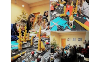 Kurdamas ir dalindamasis jaunimas mokėsi bendrauti bei ruošė dovanas artimiausiems