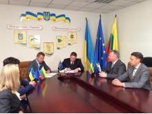 Pasirašoma Palangos ir Bučios draugystės ir bendradarbiavimo sutartis.