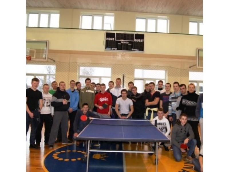 Senojoje gimnazijoje vyko stalo teniso turnyras
