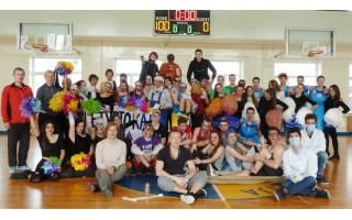 Aerobikos ir krepšinio fiesta Palangos senojoje gimnazijoje
