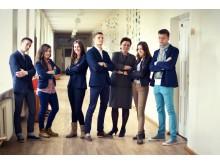 """Palangos senojoje gimnazijoje veikia """"mažas Seimas"""" – mokinių parlamento prezidentė, pirmininkas ir jo nariai."""