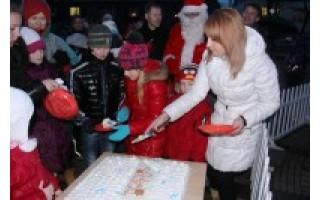 Antrąją Kalėdų dieną merienė vaišino savo iškeptu pyragu