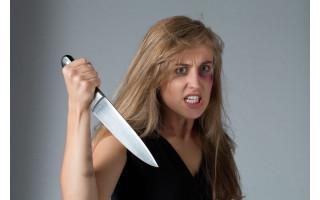 Palangoje per konfliktą neblaivi moteris peiliu sužalojo vyrą