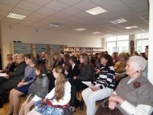 Palangos viešosios bibliotekos salėn susirinko gausus būrys J. Brazdžionio kūrybos gerbėjų.