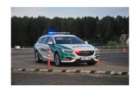 Policijos automobilį suniokojo Palangos komisariato kieme