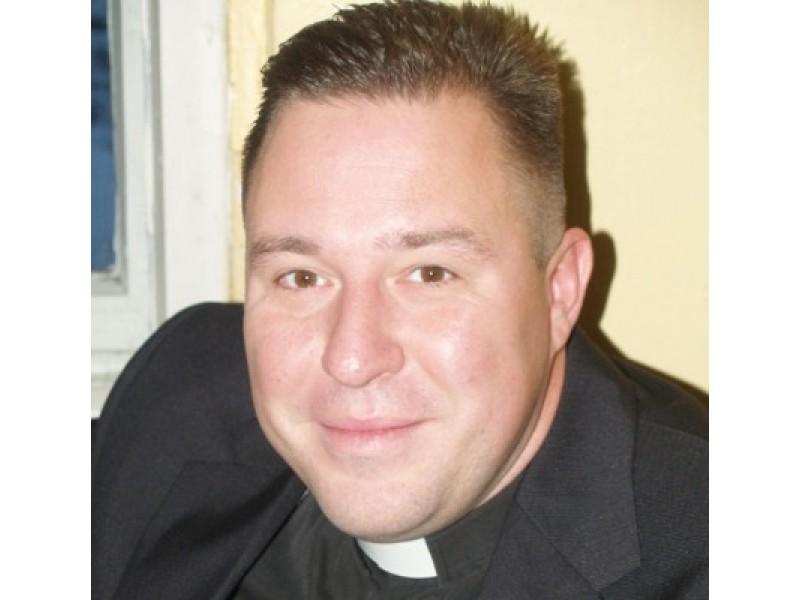 Liuteronų kunigas Jonas Liorančas Dievui tarnauja Neringoje ir Juodkrantėje, o žiemą leidžia Palangoje.