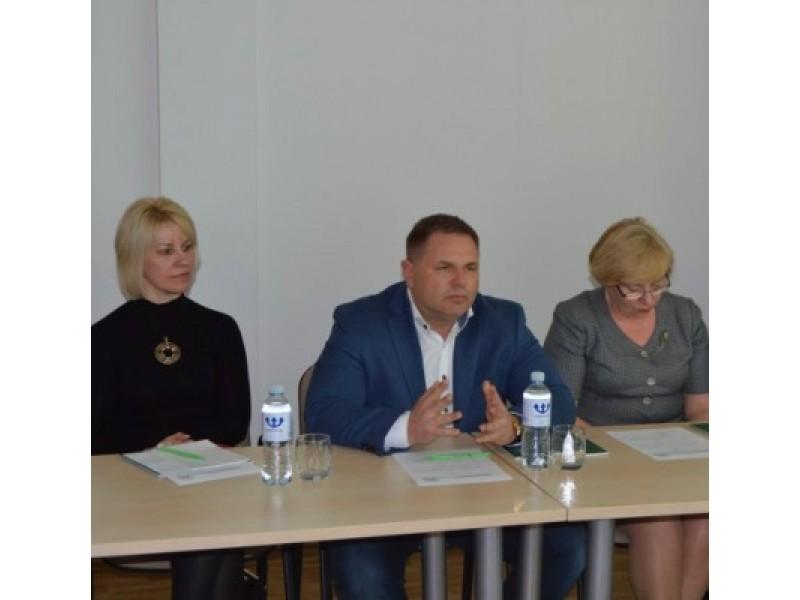 Kaip sakė KTDB direktorius Mindaugas Skritulskas, artėja vasaros sezonas, todėl skubama pasirūpinti darbo jėga.