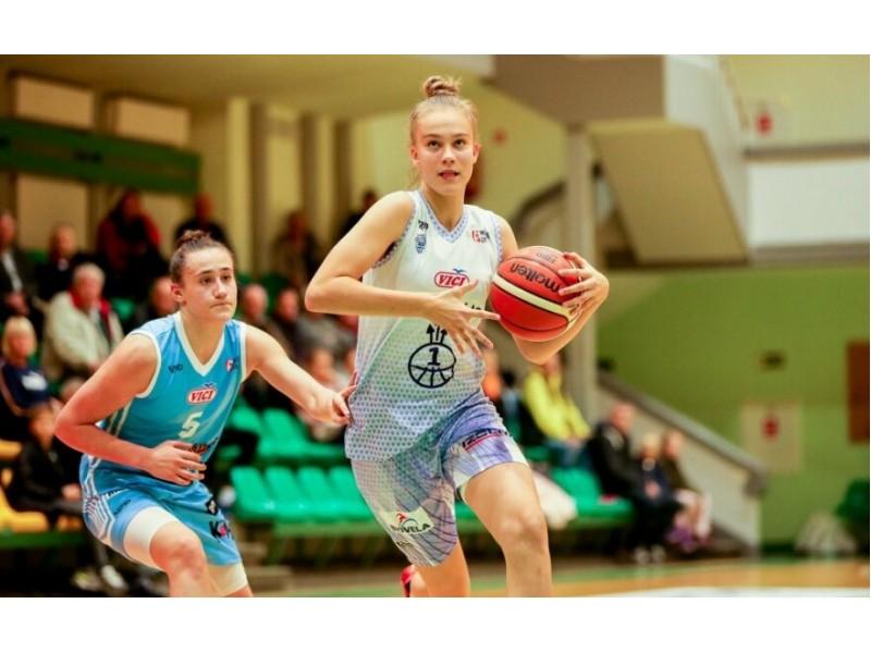"""Įspūdingas palangiškės Jocytės debiutas Moterų krepšinio lygoje – 21 taškas ir """"Neptūno"""" pergalė"""