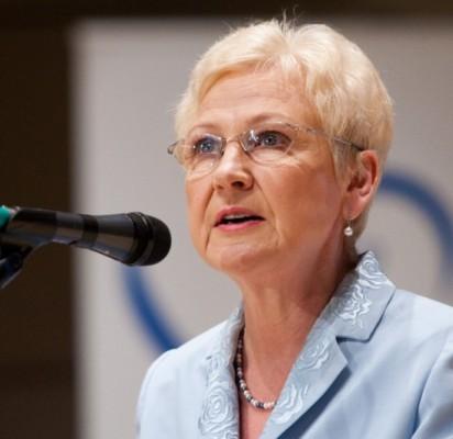 """""""Dvejų kartų tandemui – P. Žeimiui ir Š. Vaitkui – aš priskirčiau liūto dalį nuopelnų, kodėl kurortas per pusantrų metų neatpažįstamai pasikeitė"""", – """"Palangos tiltui"""" sakė Seimo pirmininkė Irena Degutienė."""