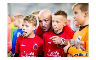 Ant Marselio Balasanovo, Palangos vaikų futbolą iškėlusio į neregėtas aukštumas, dantį griežia ir Sporto centro direktorius, ir kitų futbolo klubų vadovai (VISAS STRAIPSNIS)