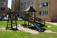 Kurorte remontuojamos vaikų žaidimų aikštelės