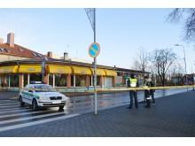 Prie galimai užminuotų objektų budėjo policijos pareigūnai bei ugniagesiai gelbėtojai.