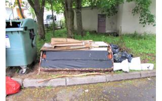Teršėjams primenama – už ne vietoje paliktas atliekas numatyta administracinė atsakomybė