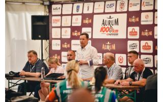 """""""Aurum 1006 km lenktynių"""" spaudos centre – rekordinis 145 žurnalistų būrys"""