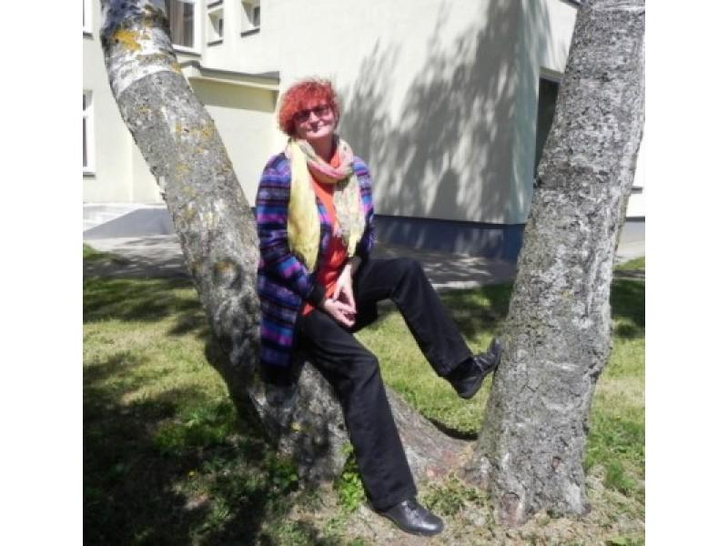 """Alma Pronckūnienė – dramos sambūrio """"M"""" – 3-oji karta"""" kūrėja"""