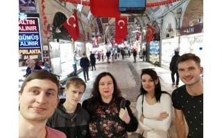 Palangiškių pažintis su  karo paveiktų žmonių likimais Turkijoje