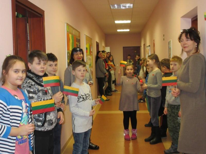 Žinutė, skirta Lietuvos valstybės atkūrimo 100-mečiui, butelyje Baltijos jūroje