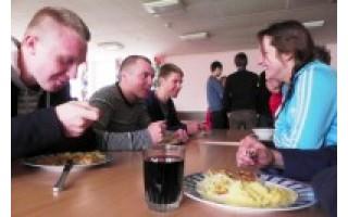 Ar mokyklos maitina skaniai ir sveikai?