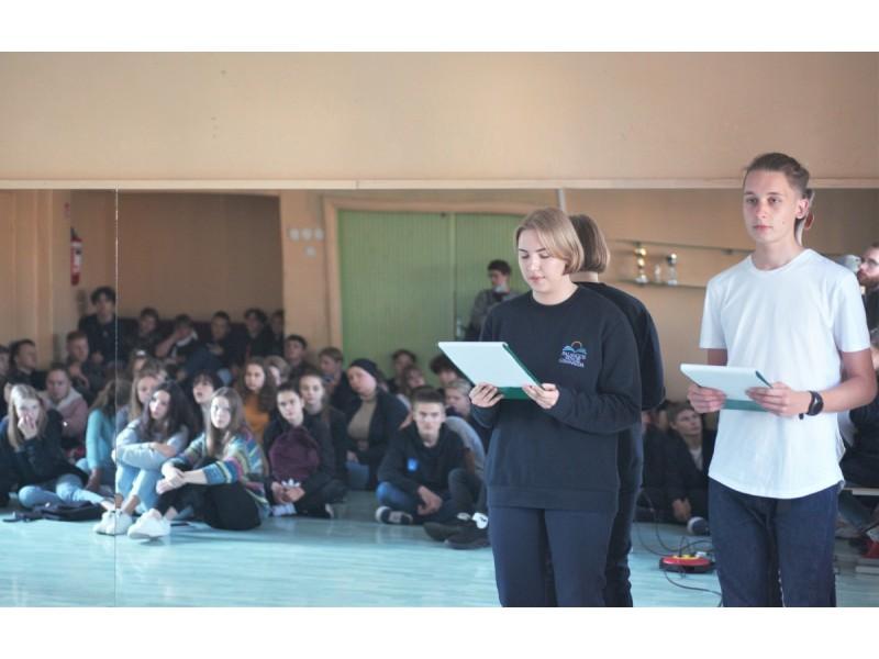 Gimnazistai minėjo Lietuvos žydų genocido aukų atminimo dieną